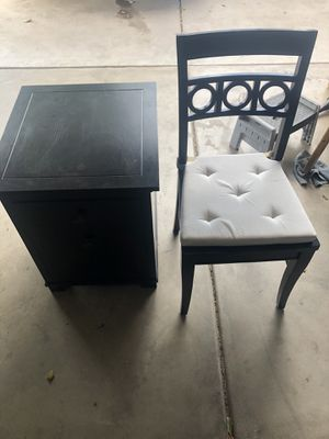 Chair and organizing drawer for Sale in Phoenix, AZ