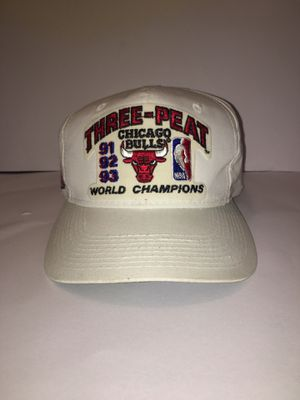 Vintage very rare 1993 Chicago bulls 3 peat nba world champions hat for Sale in Mesa, AZ