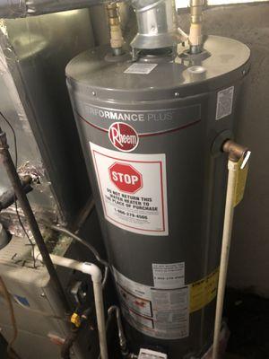 40 gallon rheem performance plus gas water heater for Sale in Washington, DC