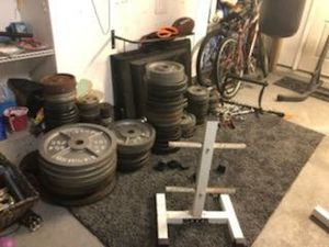 Weights olympic and standard w/tree for Sale in Tampa, FL