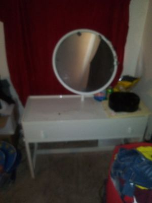 Makeup vanity ok conditions has burns from curling iron. for Sale in Parker, CO