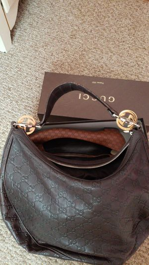 Authentic Gucci set for Sale in Oswego, IL