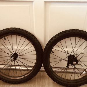 Kids Bike Tires Size 18 for Sale in Cypress, CA