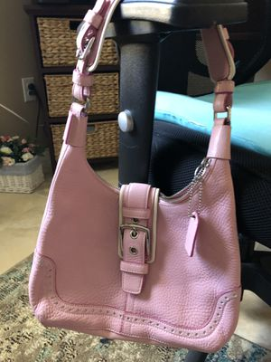 Authentic Coach Purse in Pink for Sale in Apollo Beach, FL