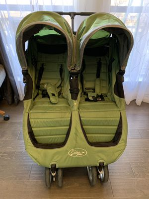 Baby Jogger city mini double w/infant adapter for Sale in Dallas, TX