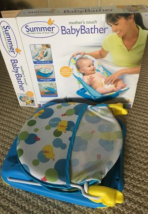 Baby Essentials: Infant Car Seat, activity center, bather, clothes... for Sale in Orlando, FL