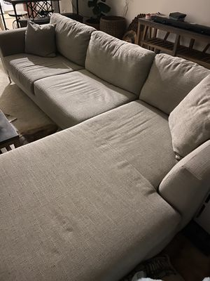 Living spaces sectional couch with chaise for Sale in Wildomar, CA