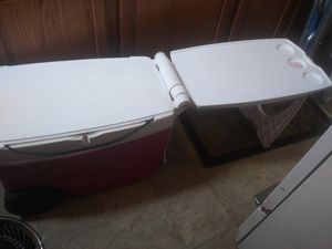 Cooler with table for Sale in Kansas City, MO