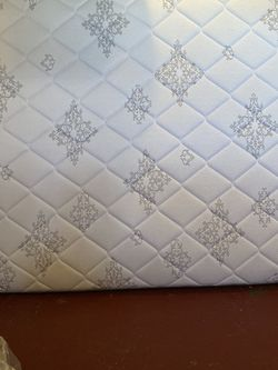 King Size Mattress With Box Spring And Frame for Sale in Alpharetta,  GA