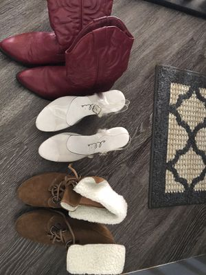 Size 8 women's shoes for Sale in Clovis, CA