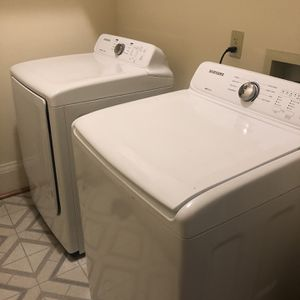 Samsung Self Clean Washer & Dryer Set for Sale in Hampton, VA