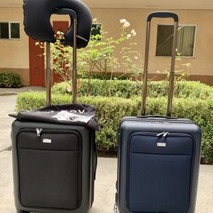 """BRAND NEW! 21"""" WATERPROOF CARRY ON LUGGAGE $ 20 each for Sale in Riverside, CA"""