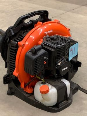 Echo pb-580t backpack blower like new purchased 6 weeks ago 58.2cc motor only used a few times for Sale in Kansas City, MO