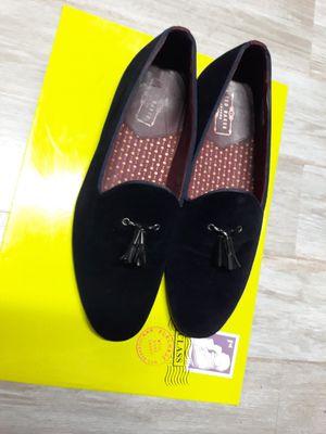 Men Ted Baker Velvet loafers Size 8 1/2 for Sale in Queens, NY
