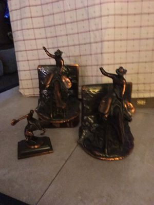 Bookends Cast Iron with bronze and copper for Sale in Las Vegas, NV