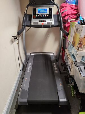 NordicTrack X9i Incline Trainer Treadmill for Sale in Eastvale, CA