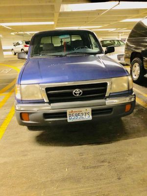 2000 Toyota tacoma sr5 for Sale in Shoreline, WA