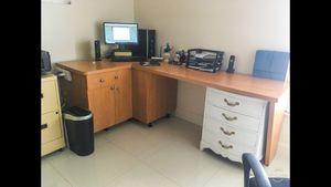 L Shape Desk for Sale in Miami, FL