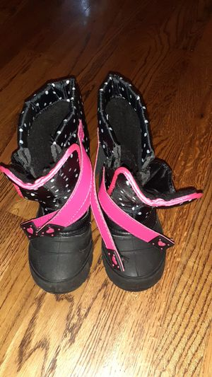 Girl ,Size 13 snow boots for Sale in Keizer, OR