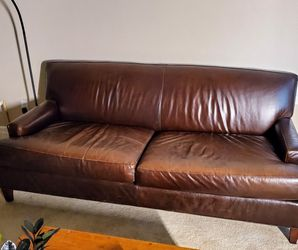 Mitchell Gold Leather Sofa ***PRiCED foR QuiCK SaLE*** for Sale in Kent,  WA
