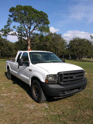 2003 Ford F-250 Super Duty Extended Cabin 5.4L for Sale in Opa-locka, FL