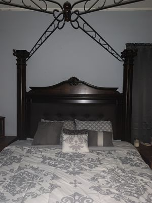 King size wood and leather bed frame and dresser for Sale in Columbia, MS