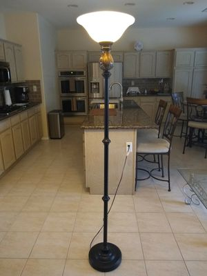 Floor Lamp for Sale in Murrieta, CA