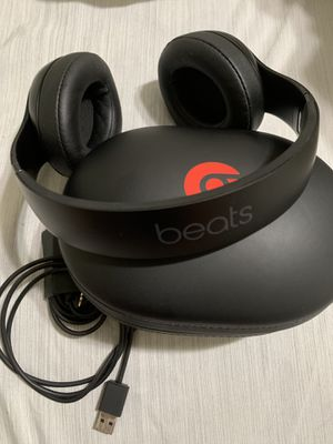 Beats Solo 3 over Ear for Sale in Orlando, FL