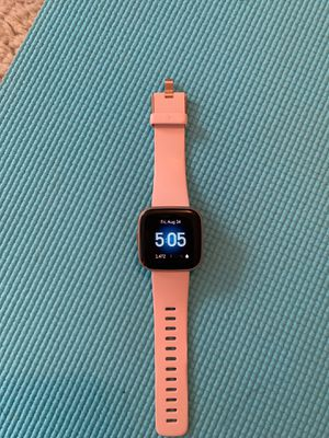 Fitbit Versa 2 for Sale in Cleveland Heights, OH