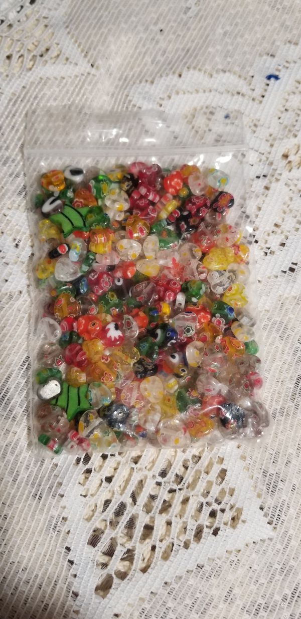 Tiny Glass Beads All Hearts