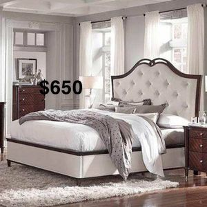 EASTERN KING BED FRAME WITH MATTRESS for Sale in Long Beach, CA