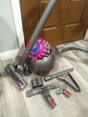 Dyson Big Ball Multi Floor Pro Canister Vacuum (Price is Firm) for Sale in Torrance, CA