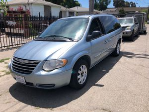 2005 Chrysler town & country for Sale in San Leandro, CA