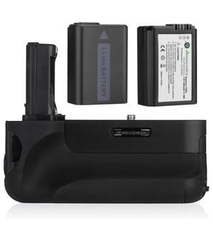 BATTERY GRIP FOR SONY A SERIES CAMERA (2 BATTERIES INCLUDED) for Sale in Miami Gardens, FL