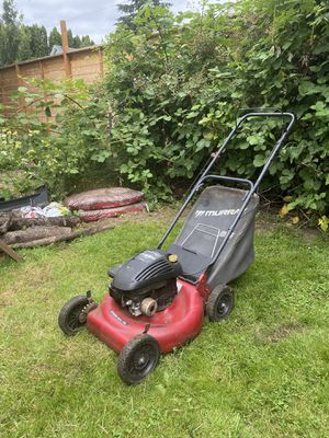 "Murray 20"" Lawn Mower w/ bag for Sale in Portland, OR"