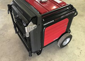 URGENT.$1000 Honda EU6500is 13 HP INVERTER Generator for Sale in US