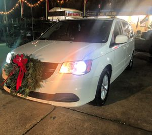 2012 Dodge Grand Caravan Runs Great vary clean for Sale in Queens, NY
