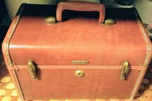 Samsonite Luggage Train Case for Sale in Tustin, CA