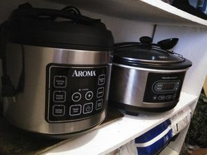 Rice cooker and crock pot good condition work good for Sale in El Paso, TX