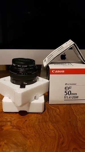 Canon ef 50mm 1.4 ultrasonic lens with uv filter for Sale in Fresno, CA