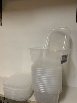 STORAGE CONTAINERS WITH LIDS. $2 EACH OR 3 FOR $5. HEAVYWEIGHT PLASTIC AND BRAND NEW. LIMITED QUANTITIES. for Sale in Schaumburg, IL