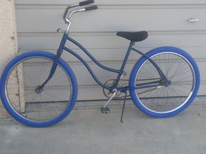 Beach cruiser. 26in. Like new tires dot new hand grips. Rides fine and sweet for Sale in Ontario, CA