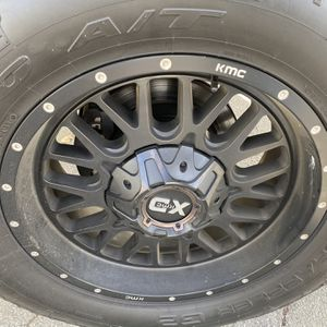 "20"" 4 used Wheels & tires LT285/65R20 for Sale in Gilroy, CA"