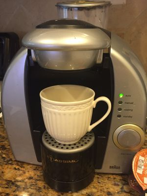 BRAUN TASSIMO Coffee Maker with coffee pods and cleaning disk for Sale in Houston, TX