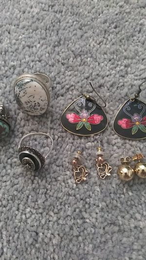 Lot of vintage earrings and rings! Size 8 for Sale in Chula Vista, CA