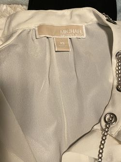 Michael Kors Ivory XS Top with Silver chain women's for Sale in Chandler,  AZ