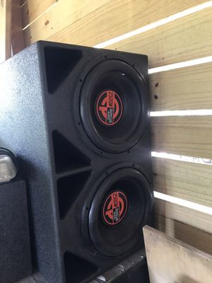 "Quantum audio 2 12"" in pro box for Sale in Houston, TX"