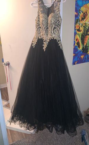 Women's Black And Gold Prom Dress for Sale in Everett, WA