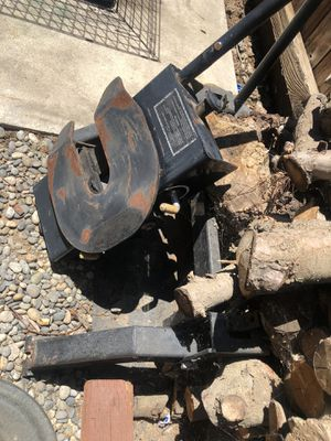 Fifth wheel hitch for Sale in Clovis, CA