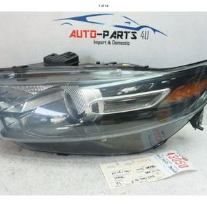 2013 2017 FORD TAURUS LEFT DRIVER XENON HEADLIGHT OEM 2015 2014 UC43050 for Sale in Compton, CA